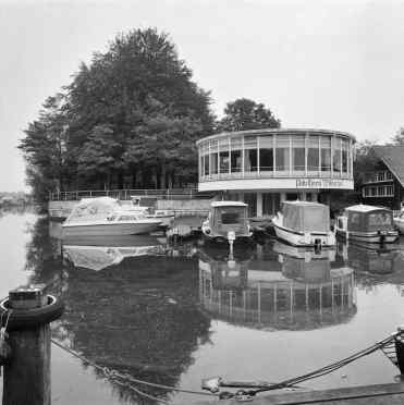 Paviljoen Wildschut. Bron: Collectie Rijksdienst voor het Cultureel Erfgoed, Amersfoort. Objectnummer 302.429