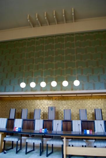 Zetels burgemeester en wethouders (achterste rij)