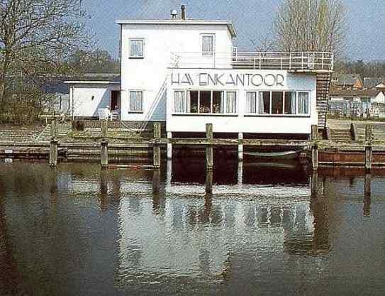 Havenkantoor met woning