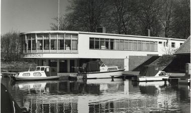 SAGV236.1+3677 Paviljoen Wildschut bij de Sporthaven 13/4/1974 Hilversum SAGV236.1 Persfotocollectie van de redactie van De Gooi- en Eemlander