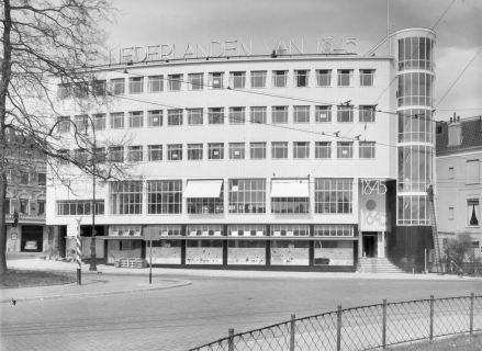 Verzekeringskantoor in Arnhem. Foto Collectie Rijksdienst voor het Cultureel Erfgoed, Amersfoort. Objectnummer 339.656