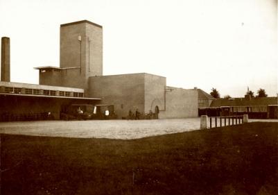 SAGV029+1262 L+17 'Openbaar slachthuis', abattoir aan het slachthuisplein 1925 Hilversum SAGV029 Verzameling losse archiefaanwinsten