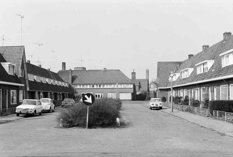 Kievitstraat, richting Slachthuisplein. Bron: Streekarchief Gooi- en Vewchtstreek Hilversum, www.gooienvechthistorisch.nl