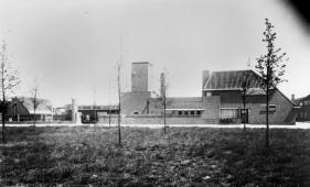 Slachthuis op Slachthuisplein, 1935. Foto Repro Miché. Streekarchief Gooi en Vechtstreek, Hilversum. www.gooienvechthistorisch.nl