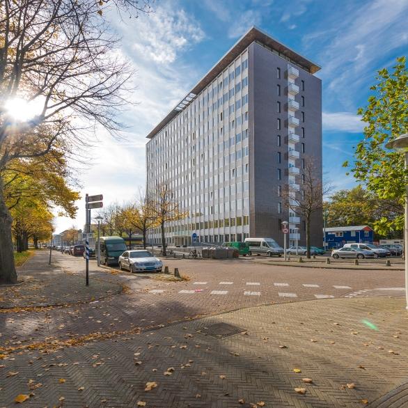 2015, Amsterdam, Netherlands, Voormalig Elsevier gebouw, oorspronkelijke architect Dudok, door herbestemming nu studentenkamers door Knevel Architecten foto en copyright Leonard Fäustle 0615004194