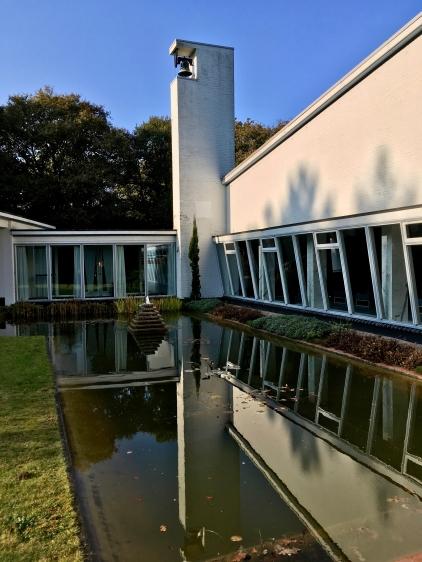 Begraafplaats Duinhof, Driehuis. Ontworpen door W. M. Dudok. Foto: Peter Veenendaal