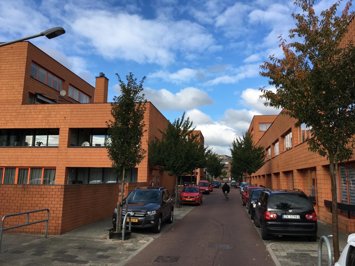 20e woningbouwcomplex, nieuwbouw Adelaarstraat Hilversum. Foto Peter Veenendaal.