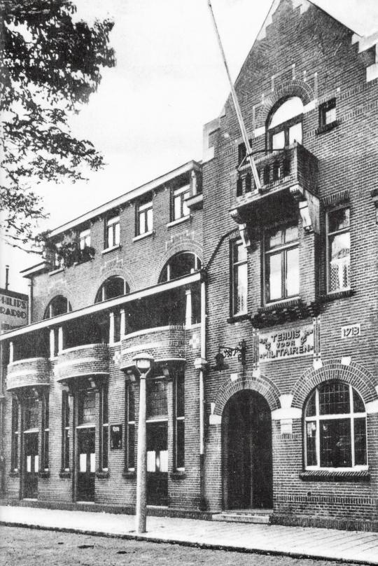 Tehuis voor militairen, Kanaalweg, Den Helder (1913). Ontwerp: Dudok.