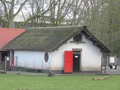 Stal hertenkamp, Hilversum. Ontwerp: Dudok. Foto: www.tgooi.info