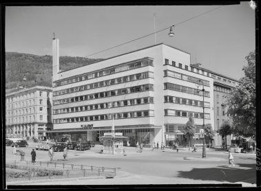 De foto is afkomstig uit de beeldcollectie van de Nationale Bibliotheek Noorwegen. Fotograaf: onbekend